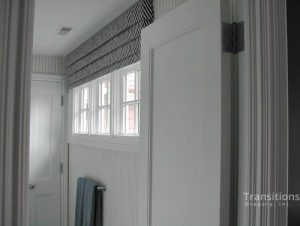 Cornice transitional bathroom