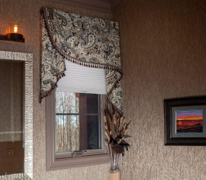 Decorative side swag valance and blinds in bathroom
